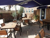 outdoor dining in Poole